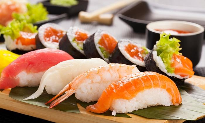¿Cómo debe comerse el sushi?