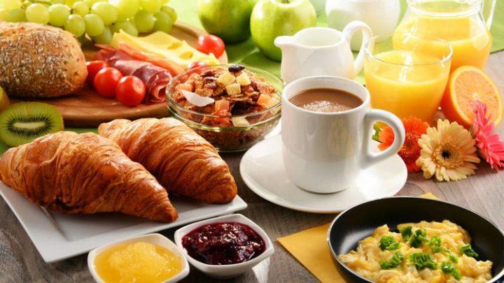 Las tres comidas diarias: ¿son suficientes?
